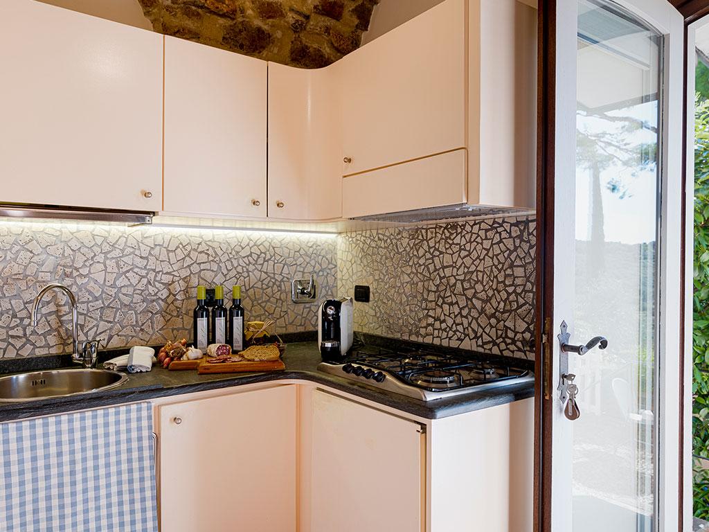 grande-pino-angolo-cucina